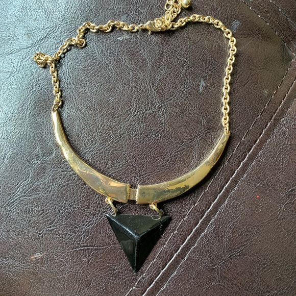 Vintage Jewelry - Vintage gold and black triangle collar necklace